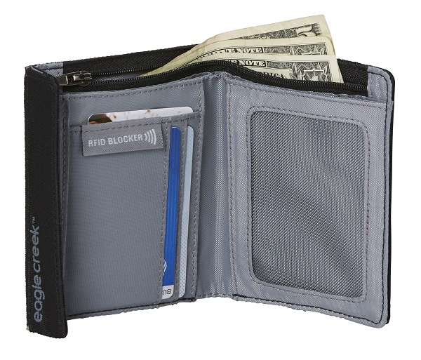 RFID International Wallet by Eagle Creek
